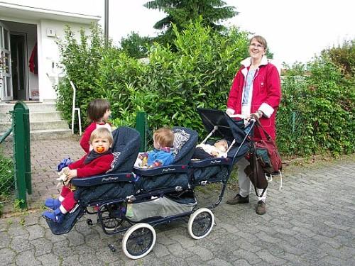 Petra Panning mit Kindern